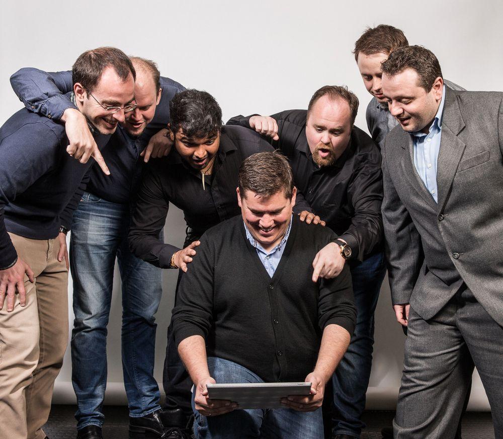 Her er teamet som har jobbet med utviklingen av konseptet UXRisk: Fra venstre: Lorenzo Tandin, Anders Østhus, Indrajith Ponrasa, Jarle Nygård, Frode Hus, Jarle Friestad og Alessandro di Gioia.