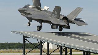 Her går F-35 utfor hoppkanten