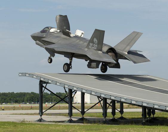 Den første skihoppavgangen med et F-35B skjedde 19. juni. Dette var flygning nummer 298 med testflyet BF-04.