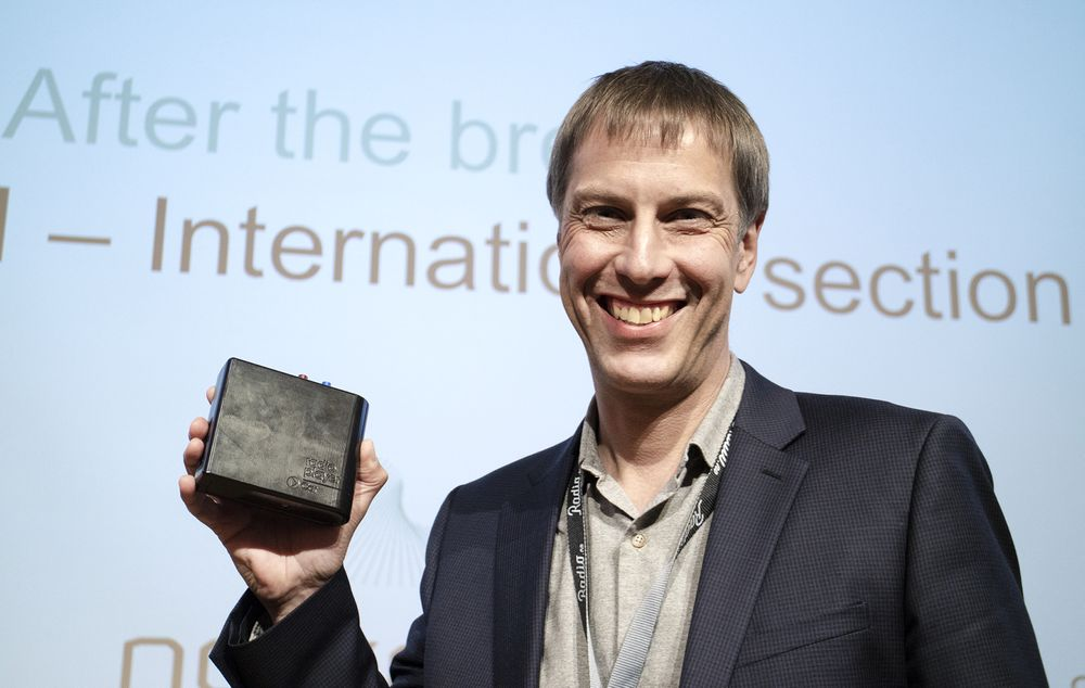 Populær kar: Michael Hill er grunnlegger og sjef for UK Radioplayer. Sammen med en app skal han gi biilstene et bedre radiotilbud enn de har hatt noen gang med denne boksen som kan ikke skjult bak dashbordet.