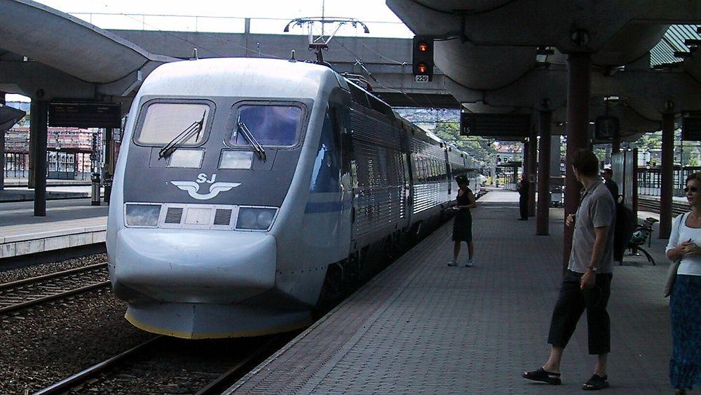 SJ skulle bytte til X2000-tog på strekningen mellom Oslo og Stockholm, og dermed redusere reisetiden med rundt halvannen time. Det går nå i vasken.