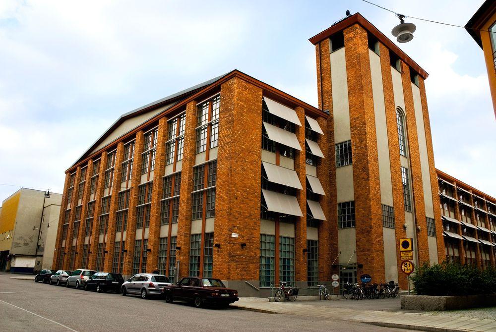 Sol-leasing: Dette bygget får Sveriges første leasede solcelle-anlegg, i september. Trenden kommer til Norge, tror ekspert.