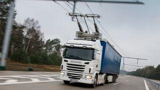 Kjøreledningen sparer lastebilene for 80-90 prosent drivstoff