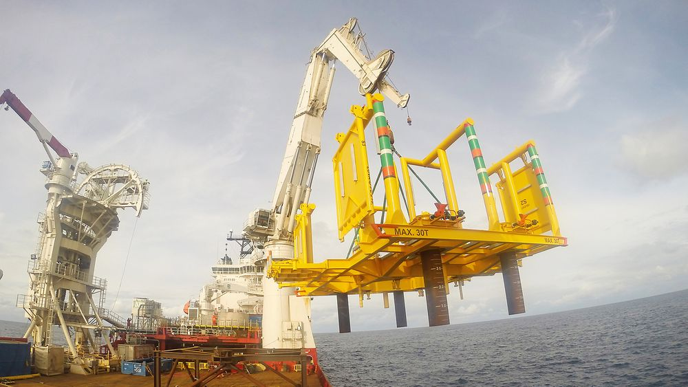 Aasta Hansteen-prosjektet i Norskehavet har satt ny dybderekord etter Emas AMCs subseainstallasjon på 1200 meters dyp.