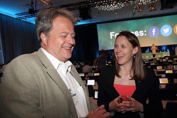 Adm. direktør Jan Moberg fikk mange godord fra Tekna-president Lise Lyngsnes Randeberg.