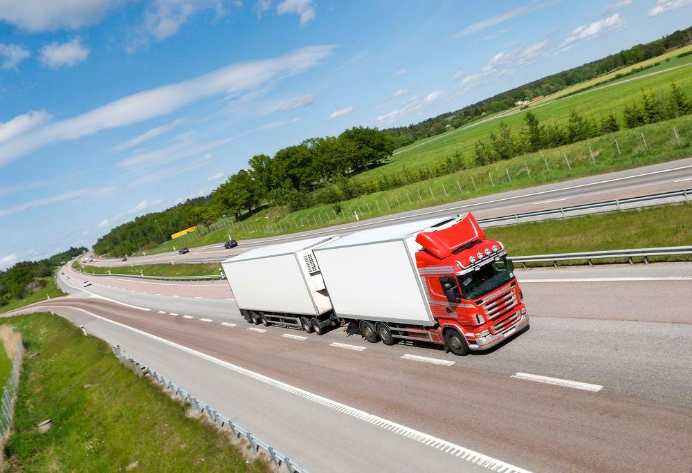 Lastebil, transport, miljø, motorvei