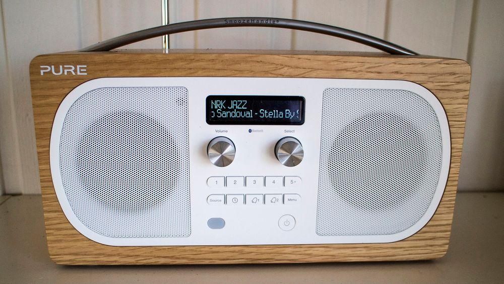 Med finert i eik gjør Evoke D6 seg godt i stua. Er du ikke helt audiofil er lyden mer enn god nok.