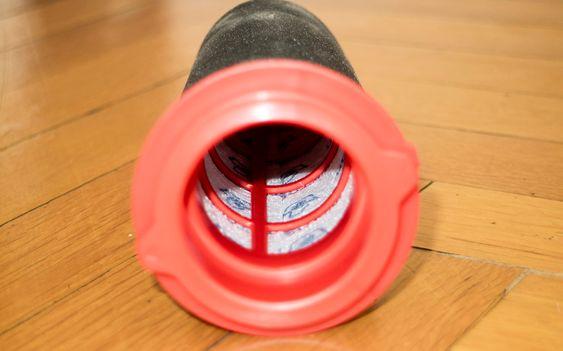 Tar finstøvet: Det innerste filteret fanger opp det fine støvet i et lag med skumplast og et lag med tekstilfilter