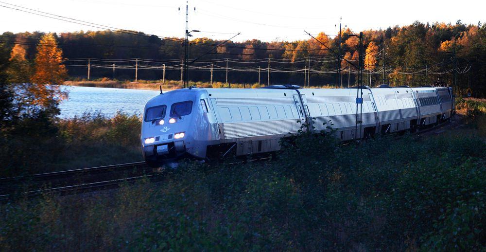Svenske SJ får likevel kjøre sine X 2000-tog mellom Stockholm og Oslo fra 9. august som planlagt.