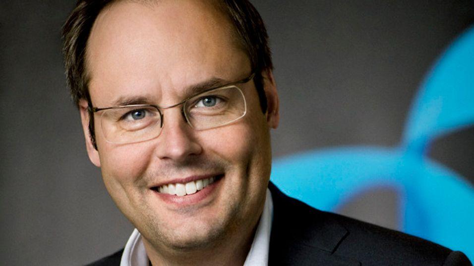Nå er gode råd dyre for sjefen i Telenor-kontrollerte Dtac i Thailand, Lars-Åke Norling.