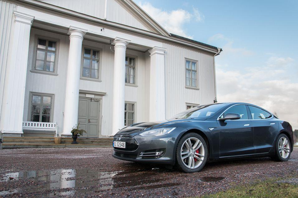 Nå får Tesla et digert musikkbibliotek