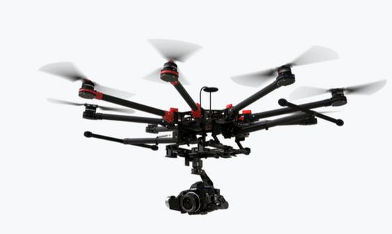 Profesjonelle droner som denne, DJI Spreading Wings S1000+, havner gjerne i RO2- eller RO3-kategoriene.