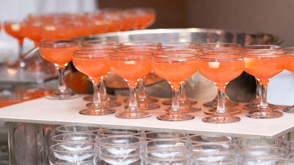 UKENS DRINK: Nyttårsdrinken lager du i en bolle