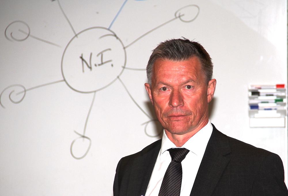 Styreleder Tore Sandvoll anbefalte medlemmene å melde Ifea inn i Norsk Industri og fikk hele årsmøtet med seg.