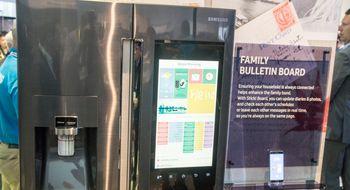 Samsung lanserer smart kjøleskap med enorm berøringsskjerm