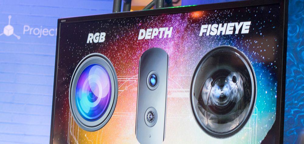 En mengde kamera jobber sammen med telefonens sensorer. Formålet er at den skal kjenne sine omgivelser like godt som deg og meg.