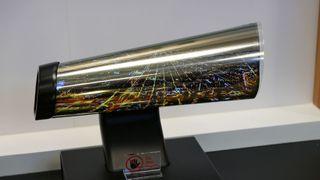 Superstoffet grafén kan gi oss én milliondels millimeter tynne OLED-skjermer