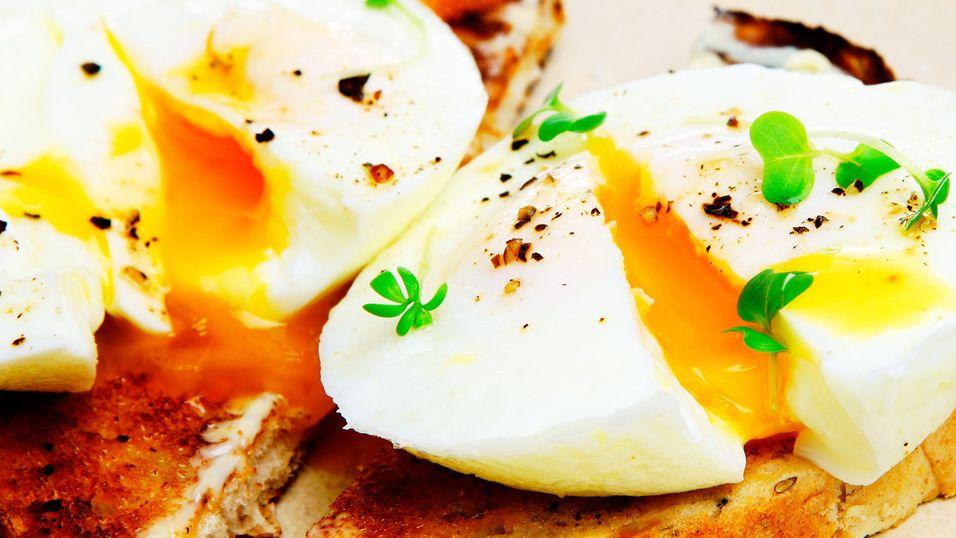 DAGENS RETT: Forlorne egg med reke- og sjampinjongsaus