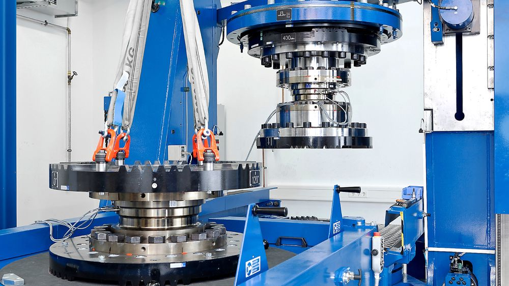 HBMs maskin for kalibrering av sensorer for kraft og dreiemoment i Darmstadt i Tyskland.