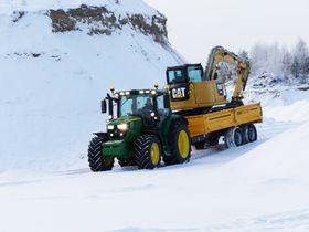 Stor sterke amerikanske merkenavn, John Deere og Caterpillar, skal nå angripe deler av maskinmarkedet i Norge sammen.