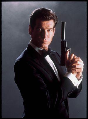 James Bond-filmene og spillet Goldeneye satte standarden for hvordan en lyddempet pistol skulle låte. Altså ikke som i virkeligheten.