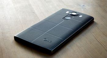 LG V10 LG V10 har premium-følelse så det holder