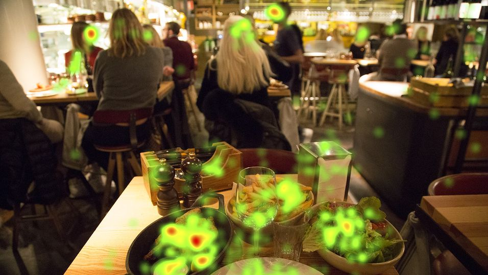 «Eye tracking»-eksperimentet viser at restaurantgjestene ikke bare er opptatt av maten.