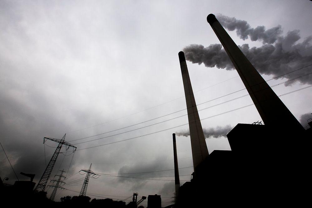 EUs mål for kutt i klimagassutslippene i 2030 burde vært 60 prosent fra 1990-nivået og ikke 40 prosent, mener Naturvernforbundets leder Lars Haltbrekken.