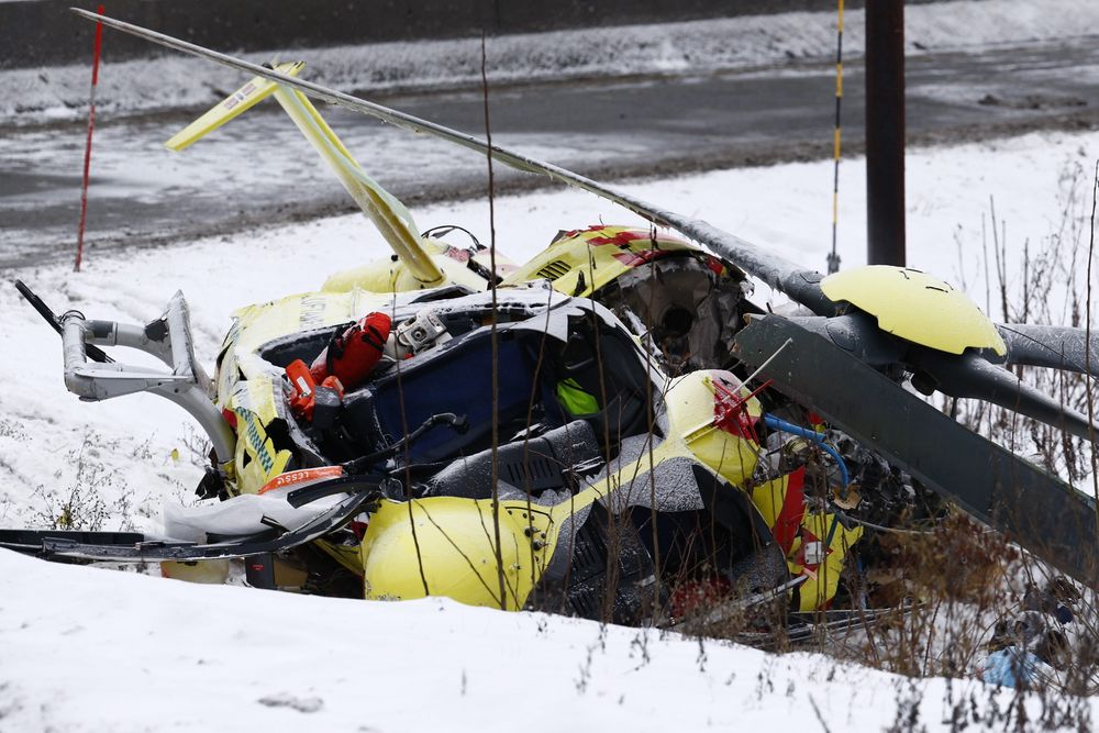 Det er uvisst om ambulansehelikopteret hadde problemer før det traff kraftledningen og ramlet ned ved Sollihøgda tirsdag formiddag.