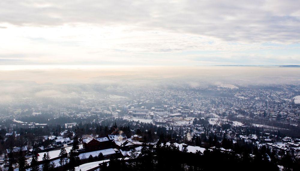 Utslippene av svevestøv og nitrogendioksid er over EUs grenseverdier. Her fra en kuldeperiode i Oslo i 2013.
