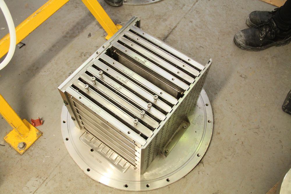 Liten og nett: I en slik modul plasseres 12 kasetter med til sammen 24 membran-ark. Hele pilotprosjektet har god plass i en vanlig stålcontainer.