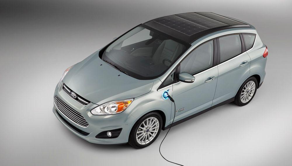 C-MAX Solar Energi Concept kan bli en av de første personbilene på markedet som utnytter solceller til å lade batteriet.