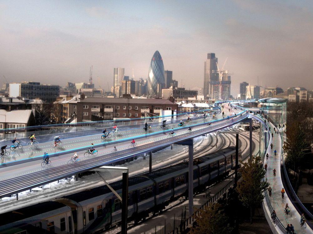 En fremtidsvisjon om opphøyde sykkelveier over Londons toglinjer vil ha en prislapp på over to millarder norske kroner. Illustrasjonen indikerer romslige flerfelts sykkelveier over toglinjene.