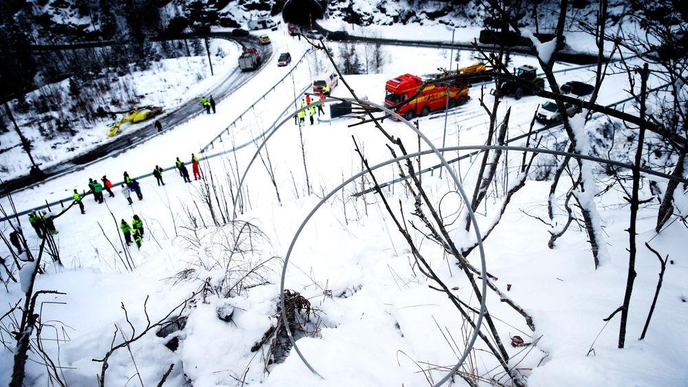I helikopterulykken på Sollihøgda i januar, der to personer omkom, var det flere luftspenn i nærheten av hverandre, noen lave og ikke rapporteringspliktige, mens ett var rapporteringspliktig. Nå krever Norsk Luftambulanse at alt må rapporteres til en database som brukes for å lage detaljerte kart.