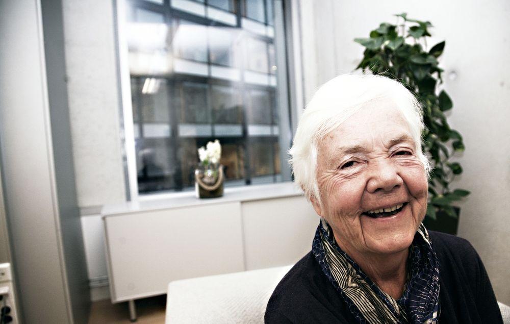 Astrid Nøklebye Heiberg (77) mener at mange som må pensjoneres mister sin identitet og risikerer depresjon på grunn av pensjonering.