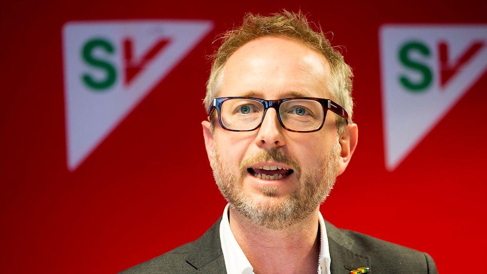 Fungerende partileder i SV, Bård Vegar Solhjell, manet til en bred miljøallianse i Stortinget fremover, da han talte til SVs landsstyre i Oslo fredag.