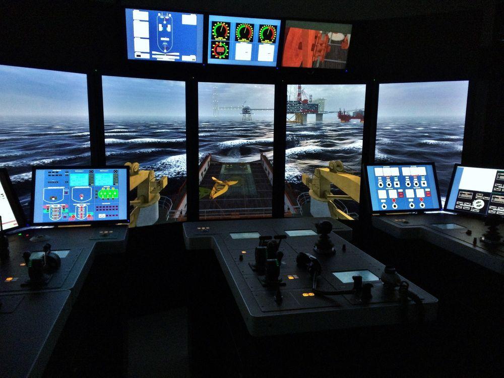 Simulatormodellen er den første av sitt slag i Norge, og er en tro kopi av Floatel Superior. Den er utviklet i tett samarbeid mellom Simsea, Floatel International og Kongsberg Maritime.