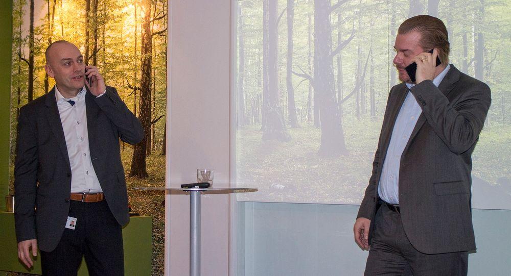 Først med VoLTE: Telenor Norges nye teknologidirektør Magnus Zetterberg og sjefen for mobildivisjonen i Telenor Norge, Bjørn Ivar Moen tok den første samtalen over 4G i Norge.