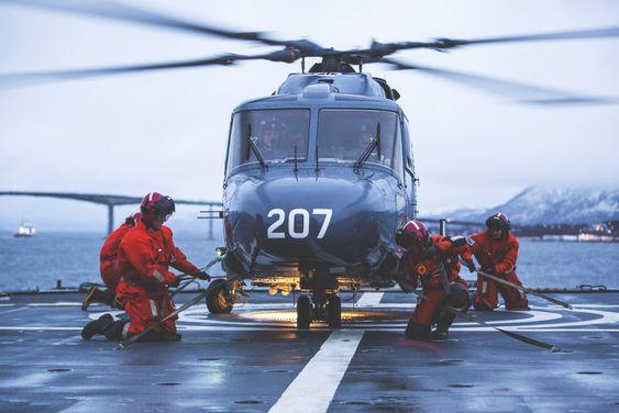 Lynx 207 på sitt siste operative oppdrag søndag kveld utenfor Sortland.