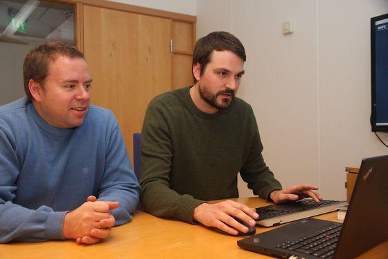 Sikkerhetsingeinørene Bård Anders Rounge og  Eivind Kleiven i Safetec har jobbet i flere år med AIS-data.