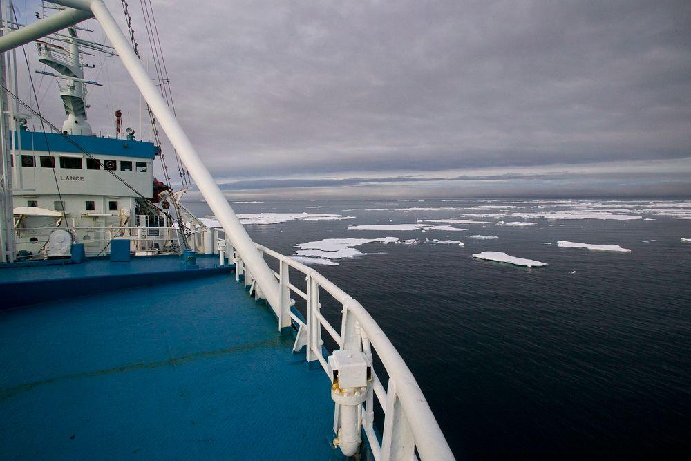 Forskningsskipet Lance skal fryses ned i isen på nyåret.