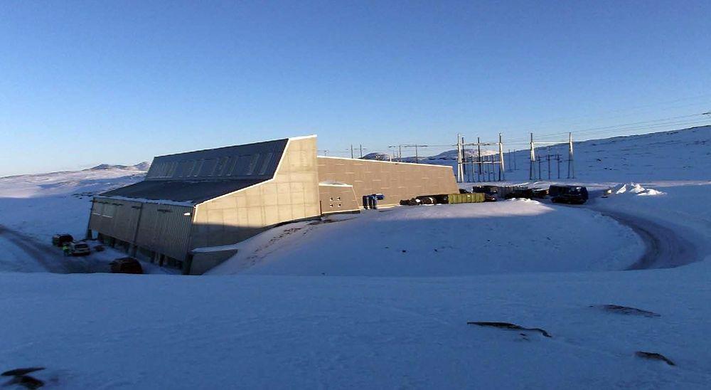 Dette betongbygget ved Hyggevatn utenfor Hammerfest skal sørge for kraft fra land til Goliat-flyteren i Barentshavet.
