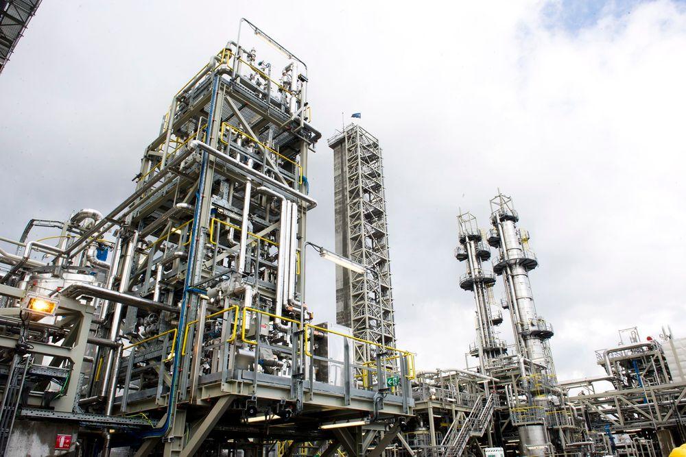 Testsenteret for CO2-fangst på Mongstad har ikke blitt noe spøkelsesanlegg, slik Bellona advarte mot. Interessen for å teste på aminanlegget er stor, og nå blir også ammoniakk-anlegget tatt i bruk igjen.