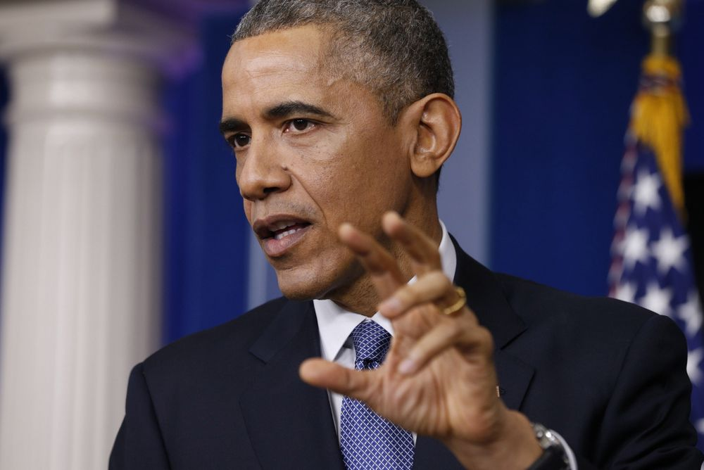 USA vil komme med et passende svar til Nord-Korea som følge av dataangrepet, sa president Barack Obama fredag.