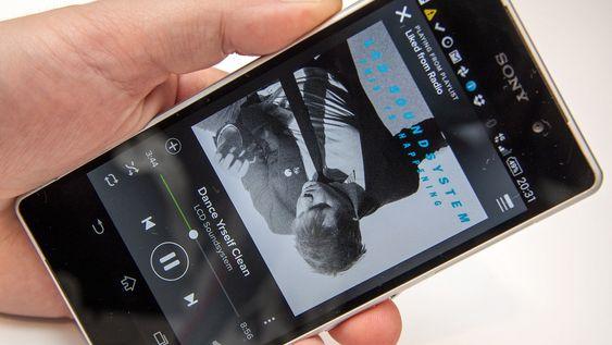 Musikkstrømming på mobilen er en tjeneste som typsik tar mye datatrafikk.