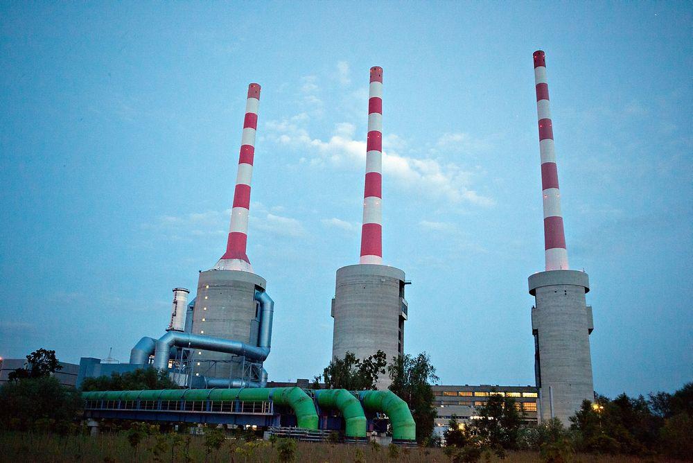 Effektiv gasskraft: Gassen fra Utsirahøyden kan sendes til effektive gasskraftverk på kontinentet, som dette i Irsching i Tyskland. Men CO2-prisen må bli høyere om kraftverkene skal startes opp. (Foto: Øyvind Lie)