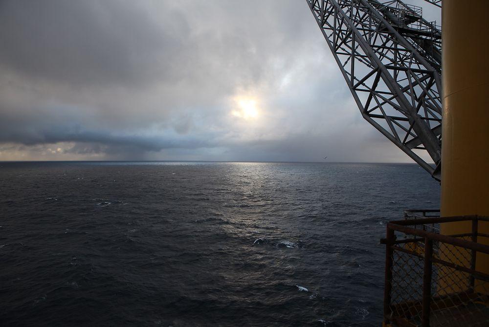 Oljeinvesteringene vil falle brått neste år etter et rekordår i 2014, spår SSB.