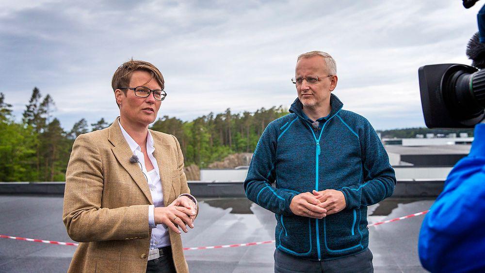 Stormberg-sjef Steinar J. Olsen hadde i dag besøk av klima- og miljøminister Tine Sundtoft. Olsen etterlyser mer statlig støtte til å gjøre gode miljøvalg, særlig når det gjelder solceller.