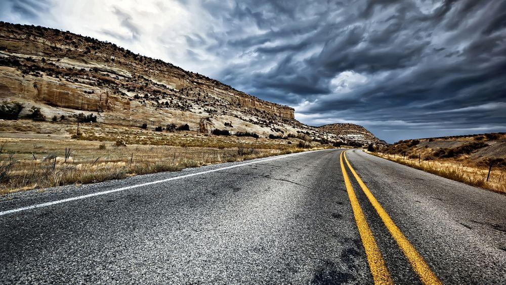 Med mere bitumen og mindre stein ønsker danske forskere å endre sammensetningen av asfalt slik at rullemotstanden på veiene blir mindre.