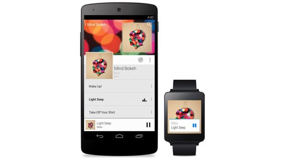 Smartklokker med Android Wear lar deg sjekke varsler uten å plukke ut mobilen, og har talestyring.